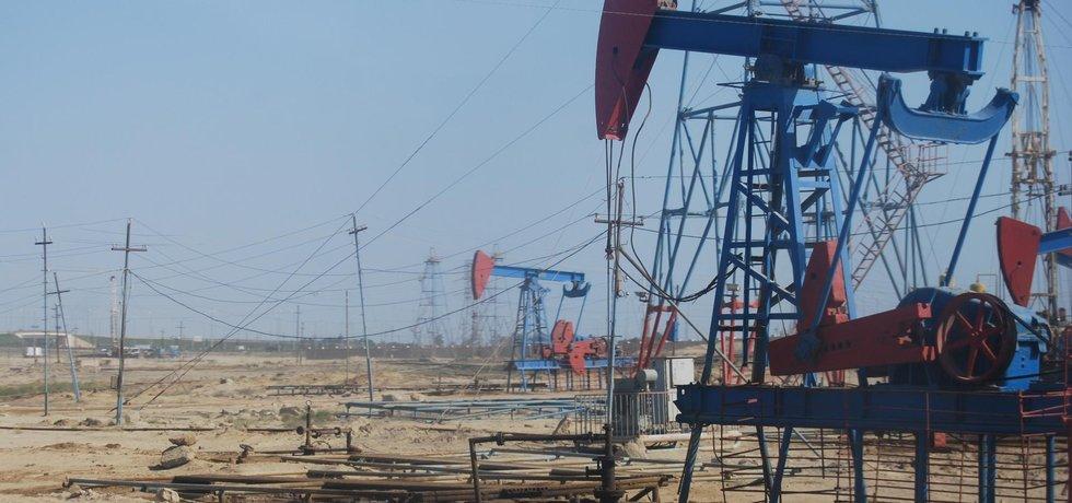 Těžba ropy - ilustrační foto