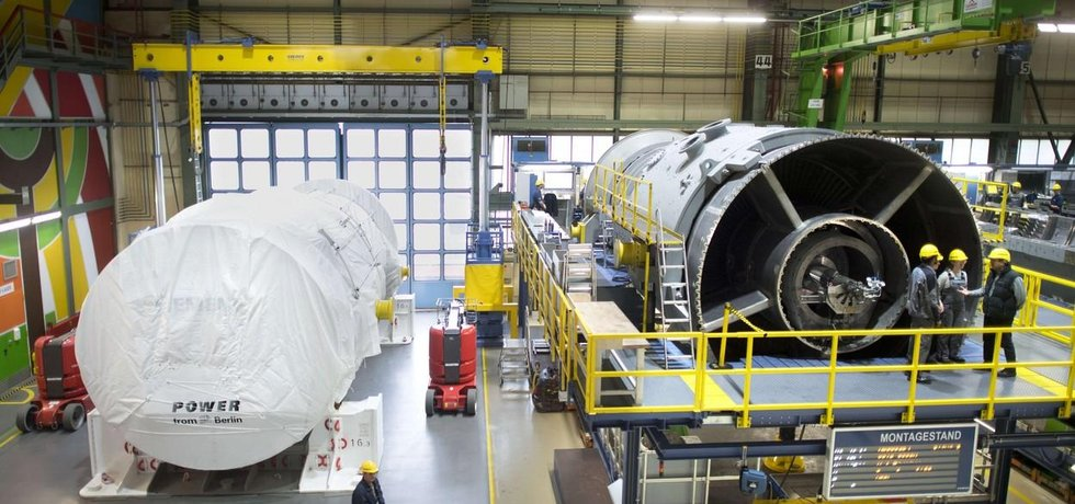 Plynová turbína v továrně Siemens