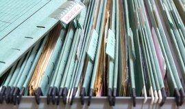 Zamčená skřínka v australském bazaru ukrývala tisíce tajných spisů, ilustrační foto