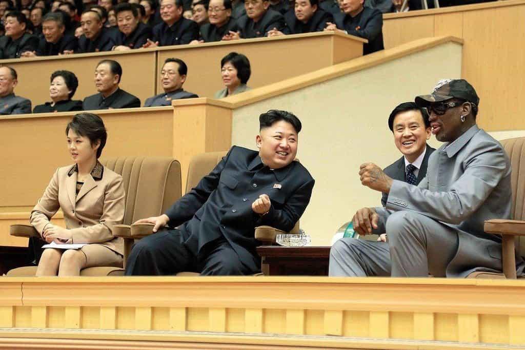 """Miluje košíkovou. """"Basketbal byl pro něj všechno,"""" řekl v roce 2010 televizi CNN Kimův spolužák Joao Micaelo"""