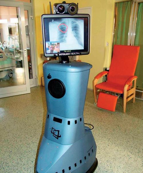 Robot RP-7 v intenzivní péči