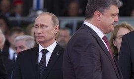 Ruský prezident Vladimir Putin a jeho ukrajinský protějšek Petro Porošenko
