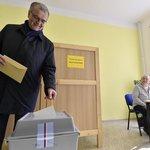 Předseda TOP 09 Miroslav Kalousek odevzdal svůj hlas v Bechyni na Táborsku.
