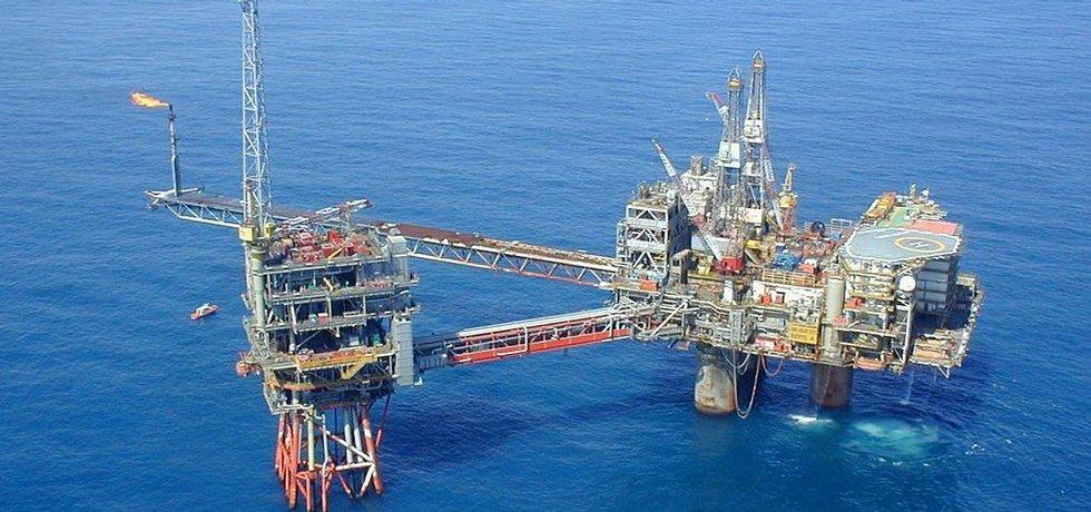 Těžební plošina Beryl Alpha společnosti Apache, jednoho z největších těžařů v Severním moři (Autor: danrandom, CC BY 2.0, Wikimedia Commons)