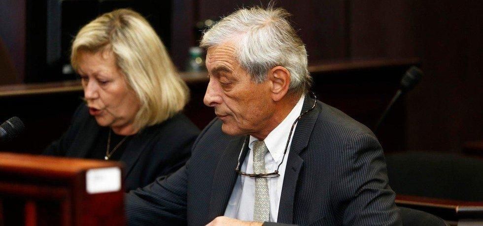 Advokát Michal Pacovský