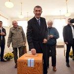 Vicepremiér a předseda hnutí ANO Andrej Babiš odevzdal svůj hlas v Průhonicích u Prahy