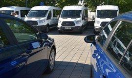 Nové automobily, ilustrační foto