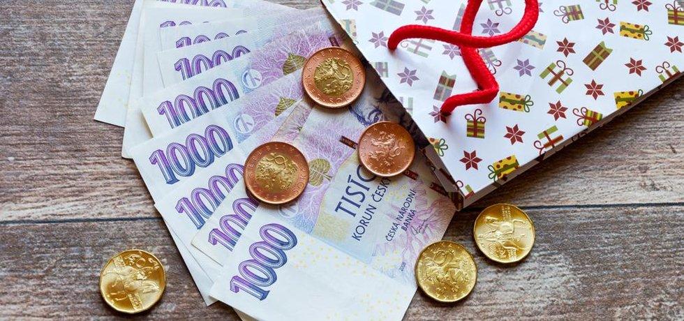 Firemní benefit třináctý plat