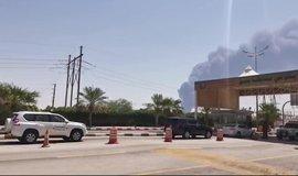 Útoky dronů snížily těžbu ropy v Saúdské Arábii o polovinu