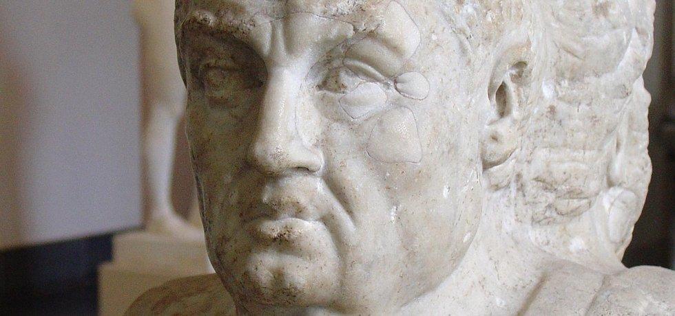 Busta antického básníka a filosofa Senecy