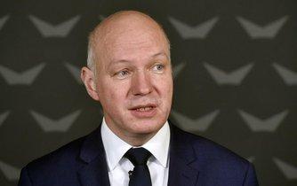 Neúspěšný prezidentský kandidát Pavel Fischer na tiskové konferenci oznámil, že bude kandidovat do Senátu.