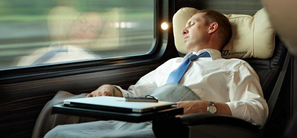 Čeští manažeři auty nejezdí. Chválí si soukromý vlak.