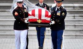Rozloučení se senátorem Johnem McCainem
