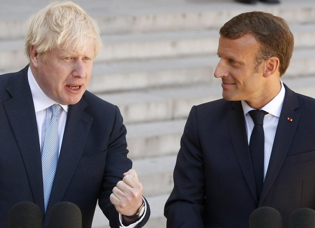 Britský premiér Boris Johnson a francouzský prezident Emmanuel Macron