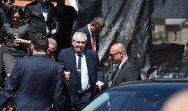 Miloš Zeman odchází v Doksech na Českolipsku z podia