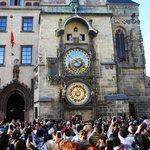 V 18. století magistrát zvažoval, že orloj prodá do starého železa