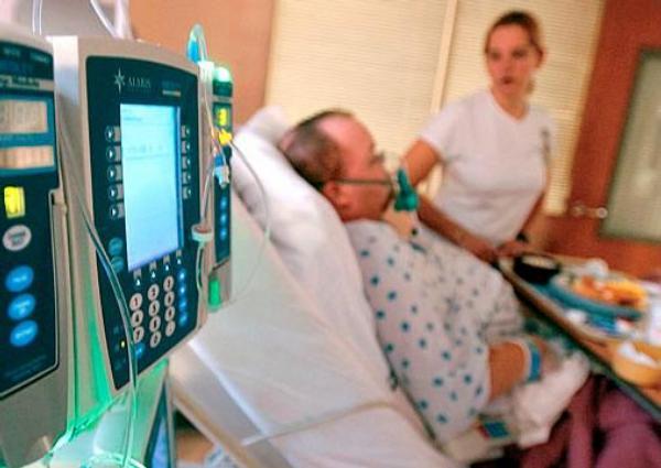 pacient, nemocnice, pokoj, sestra