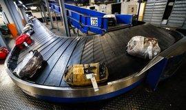Třídírna zavazadel na letišti - ilustrační foto