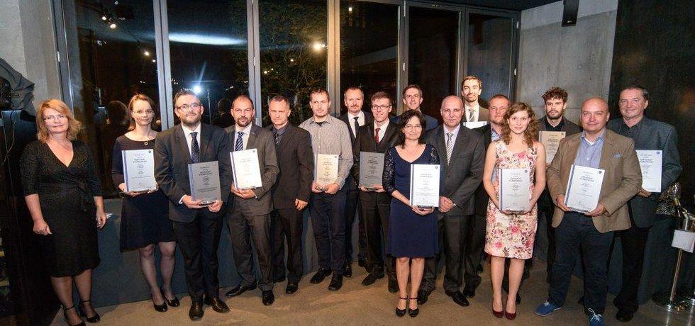 Slavnostního předávání Certifikátů výjimečnosti se zúčastnili zástupci oceněných společností a také zástupci společnosti TÜV SÜD Czech.
