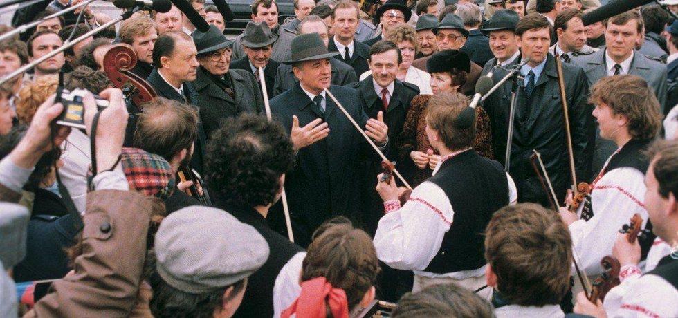 Michail Gorbačov na návštěvě Československa v roce 1987