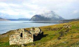 Vyhladovění. Jak skončilo menší ze dvou středověkých norských sídlišť v Grónsku - Západní kolonie (dnes tu leží hlavní město Nuuk), se dlouho nevědělo. Z archeologických nálezů plyne, že poslední zima byla vyplněna hladem, zoufalstvím a beznadějí
