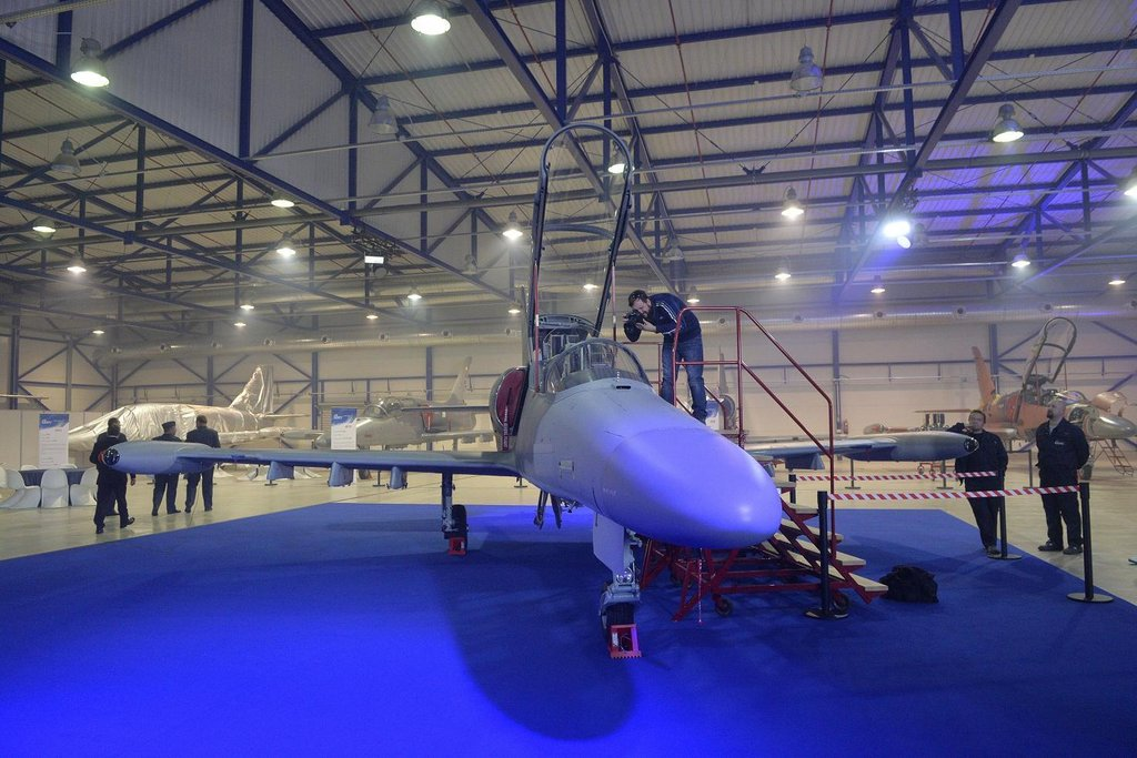 Aero Vodochody představilo nový letoun L-159. Jedná se třemi zájemci včetně Iráku