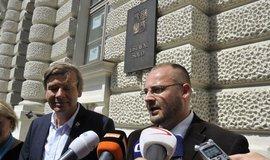 Právník Lubomír Kincl (vpravo) zastupující bytové družstvo Svatopluk