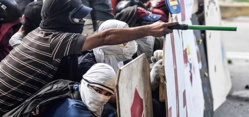 Ve Venezuele pokračují protesty proti plánu prezidenta Madura vypsat volby do nového Ústavodárného shromáždění, které má nahradit parlament