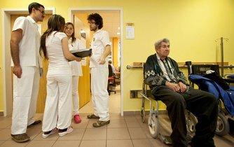 Peníze mají podpořit místa, kde se vzdělávají mladí lékaři, ilustrační foto