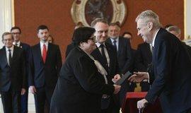 Prezident Miloš Zeman jmenoval Karla Havlíčka, Vladimíra Kremlíka a Marii Benešovou novými ministry dopravy, průmyslu a obchodu a spravedlnosti.
