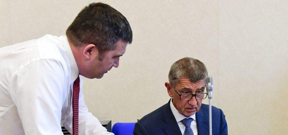 Místopředseda vlády Jan Hamáček a premiér Andrej Babiš