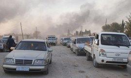 Syřané prchající před tureckou ofenzivou