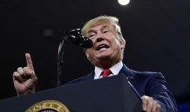 Trump čelí ústavní žalobě. Americký Senát fakticky zahájí proces impeachmentu