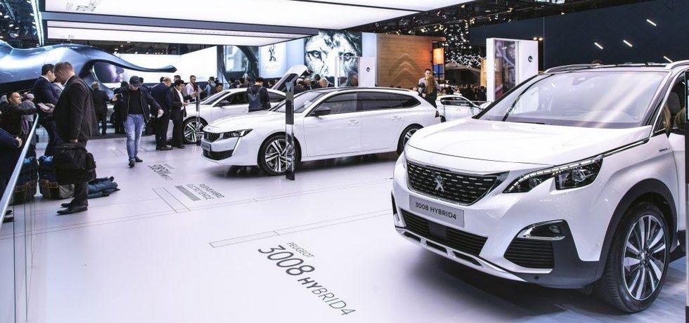 Plug-in hybridy Peugeot na autosalonu v Paříži