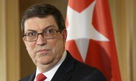 Kubánský ministr zahraničí Bruno Rodriguez Parilla se tvářil odhodlaně