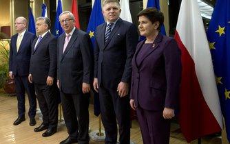 Premiéři zemí Visegrádu s s předsedou Evropské komise Jeanem-Claudem Junckerem