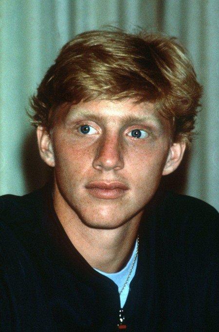 Boris Becker v červenci 1985, kdy vyhrál poprvé Wimbledon.