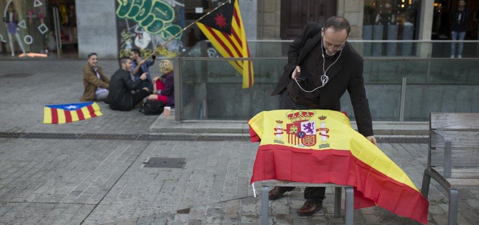 Většinu kompetencí předsedy a místopředsedy katalánské vlády převezme místopředsedkyně španělské vlády Sorraya Sáenzová