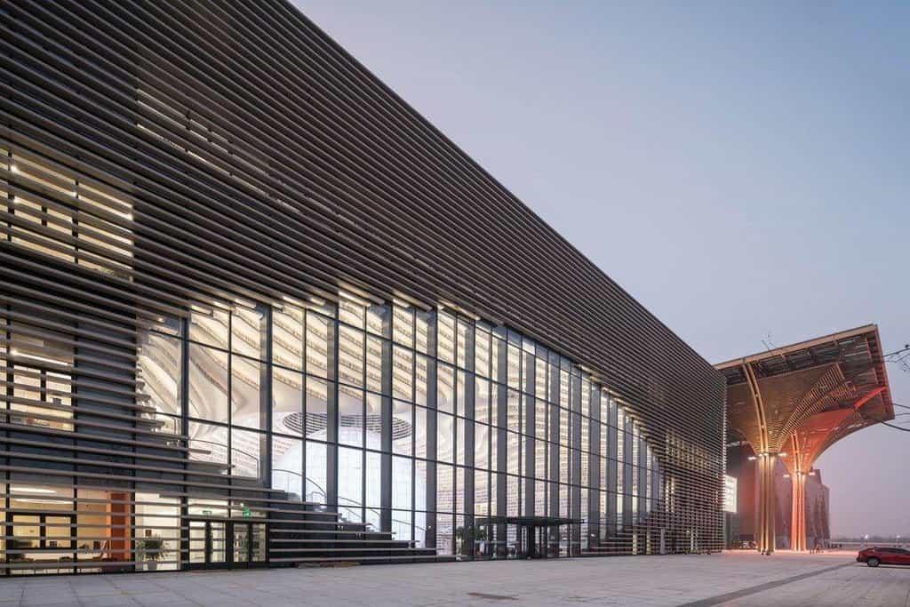 Futuristická knihovna připomínající lidské oko pojme přes milion knih