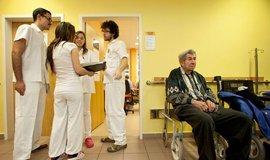Zdravotnictví dostane k rozpočtu navíc 220 milionů, podpoří vzdělávání mladých lékařů