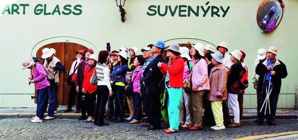 """Davy čínských turistů přispívají k projektování čínské """"soft-power"""" víc než všechny kanceláře Konfuciových center a projevy si Ťin-pchinga dohromady"""
