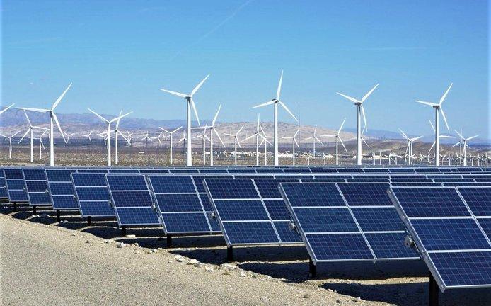 Solární a větrná elektrárna v Palm Springs