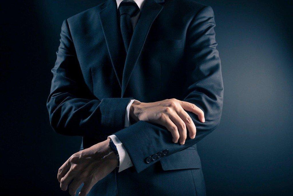 Pánský oblek - ilustrační foto