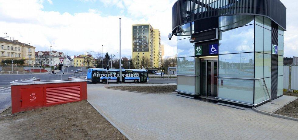 Stanice Nádraží Veleslavín