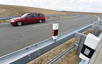 Ředitelství silnic a dálnic otevřelo poslední, celkem 3,7 kilometru dlouhý úsek dálnice D11 Osičky - Hradec Králové