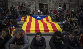 Bezprecedentní verdikt. Katalánští politici dostali vysoké tresty vězení za referendum o nezávislosti