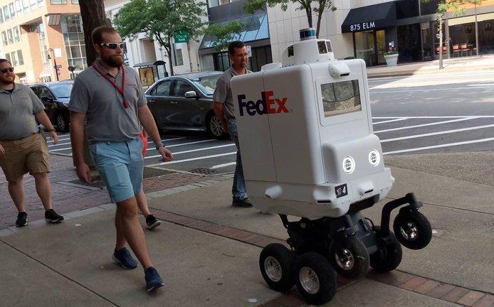 Doručovací robot SameDay od společnosti FedEx