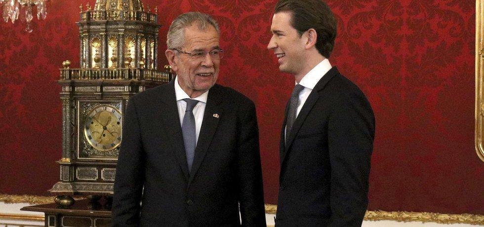 Rakouský prezident Alexander Van der Bellen a předseda Rakouské lidové strany (ÖVP) Sebastian Kurz
