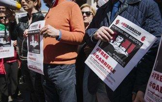Demontrace na podporu Gabriela Del Grandeho v Římě