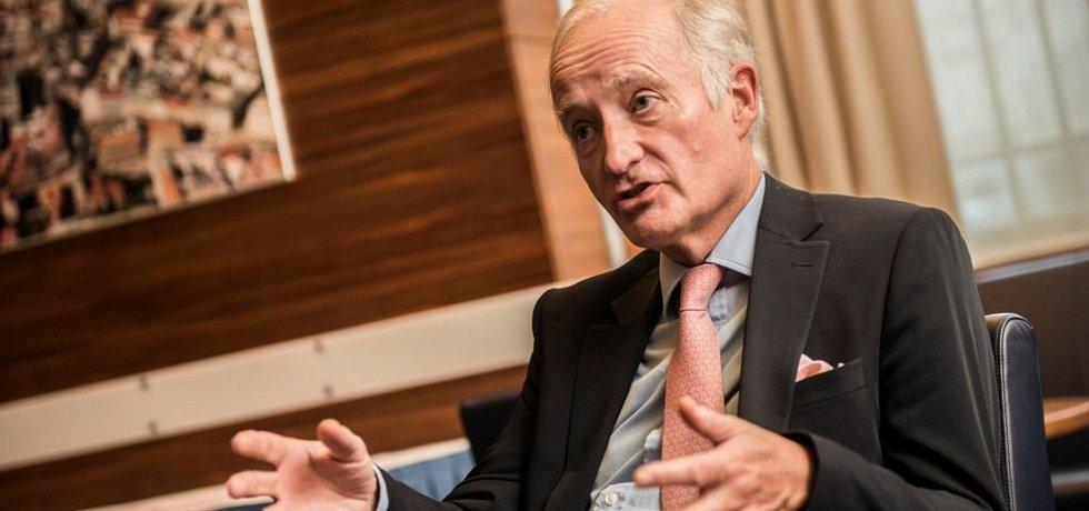 Výkonný ředitel Britské bankovní asociace Simon Hills